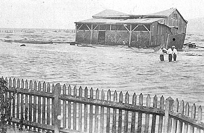 P10997 Cyclone damage and flooding Aquatic Club, Esplanade 1920. Photographer J Noble.